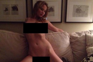 Jennifer-Lawrence-nude-in-a-photo-published-online-by-a-hacker1