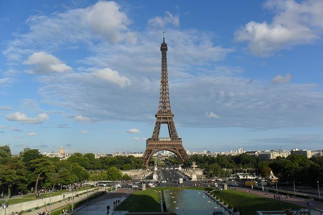 PARIGI, INFERNO – IO, GIOVANE DI FRONTE AD UN FUTURO DI TERRORE