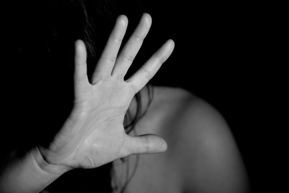 Violenza su donne e bambini: per combatterla ripartiamo dai bambini