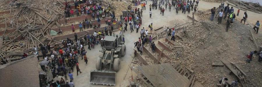 NEPAL, INFERNO – UN'EMERGENZA CHE HA IL VOLTO DEI BAMBINI