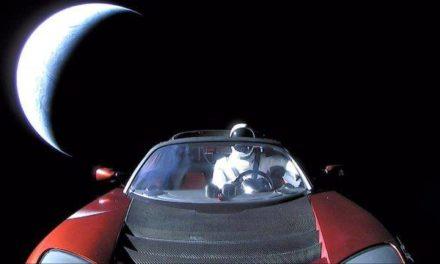 Tesla, Elon Musk e una macchina su Marte: Space Oddity II
